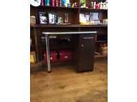 Manicure table in great condition