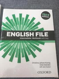 Oxford English file intermediate workbook