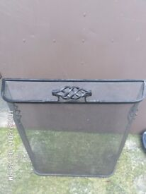 Good strong fire guard in good condition ,not needed any more ,,no texts