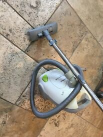 Hoover used but works well / collection Webb's Road Battersea