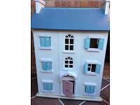 Le toy van cherry tree hall dolls house and furniture