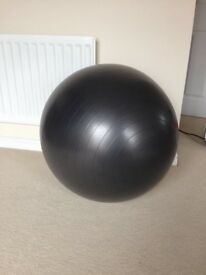 Pregnancy yoga ball with pump