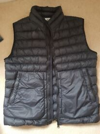Stone island body warmer (medium/large)
