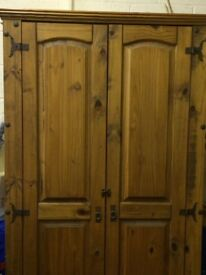 Solid wood Rustic style wardrobe