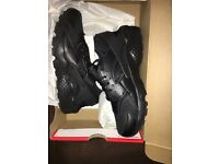Nike triple black huaraches size 5 1/2 never been worn