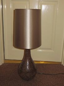 Table lamp with bronze crackle glass base