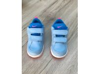 Nike infant trainers size 6.5