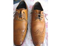 A PAIR OF GATSBY FORMAL SHOES, WORN ONCE ,