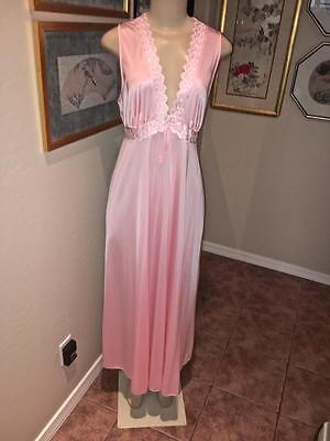 Vintage JC Penney's 2pc Pink Gown and Robe Set Size M