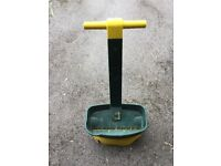 Lawn Seed Spreader,