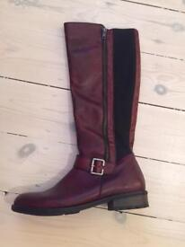 Ladies Boots - New - Size 7/40
