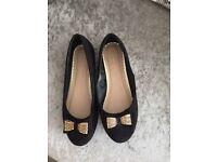 2 pairs ladies flat shoes