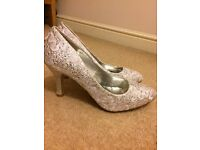 Wedding shoes Size 5 excellent condition