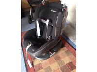 Maxi Cosi car seat - Tobi black