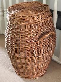 Wicker washing / laundry basket
