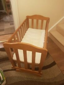 Rocking baby Cribb in exellent condition