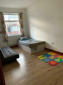 Double Room in Barking, Essex