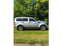 DODGE NITRO 2.8 SXT LOW MILES EXCELLENT CONDITION