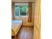 NICE SINGLE ROOM TO RENT IN ROEHAMPTON ALL BILLS INC/120£PW