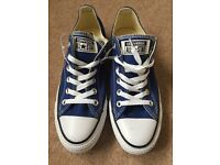 BRAND NEW Ladies Blue Converse - Size 6