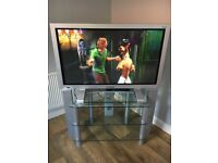 43 inch Daewoo TV & Stand ~ Faulty??? see description
