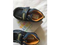 Clarks boy shoes size 5 1/2 F