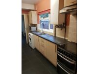 CLOSE TO CITY CENTRE** 3 Bed House**