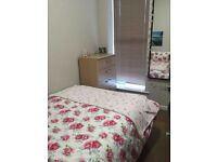 Student Let! 1 Room available on Pennsylvania Road. Small Double all bills included £130per week.
