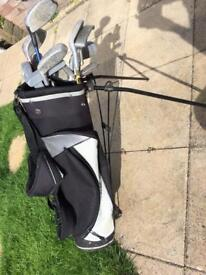 Set of Children's Golf Clubs and Bag