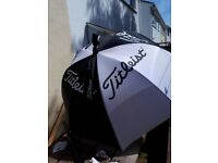 TITLEIST golf umbrella great condition