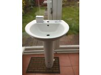 Tempo white bathroom basin and pedestal brand new never been used