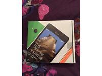 Nokia windows lumia 735 smartphone unlocked box and charger