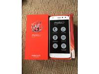 Motorola z2 play mobile phone 64gb Gold unlocked