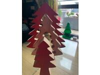 1 WOODEN CHRISTMAS TREE (3 PARTS) RRP - £9.99