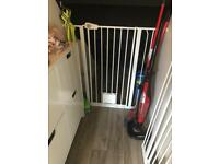 Baby Pet gate with lockable cat flap