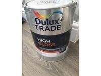 Dulux trade high gloss paint
