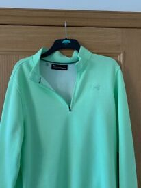 Under Armour 1/4 zip pullover L