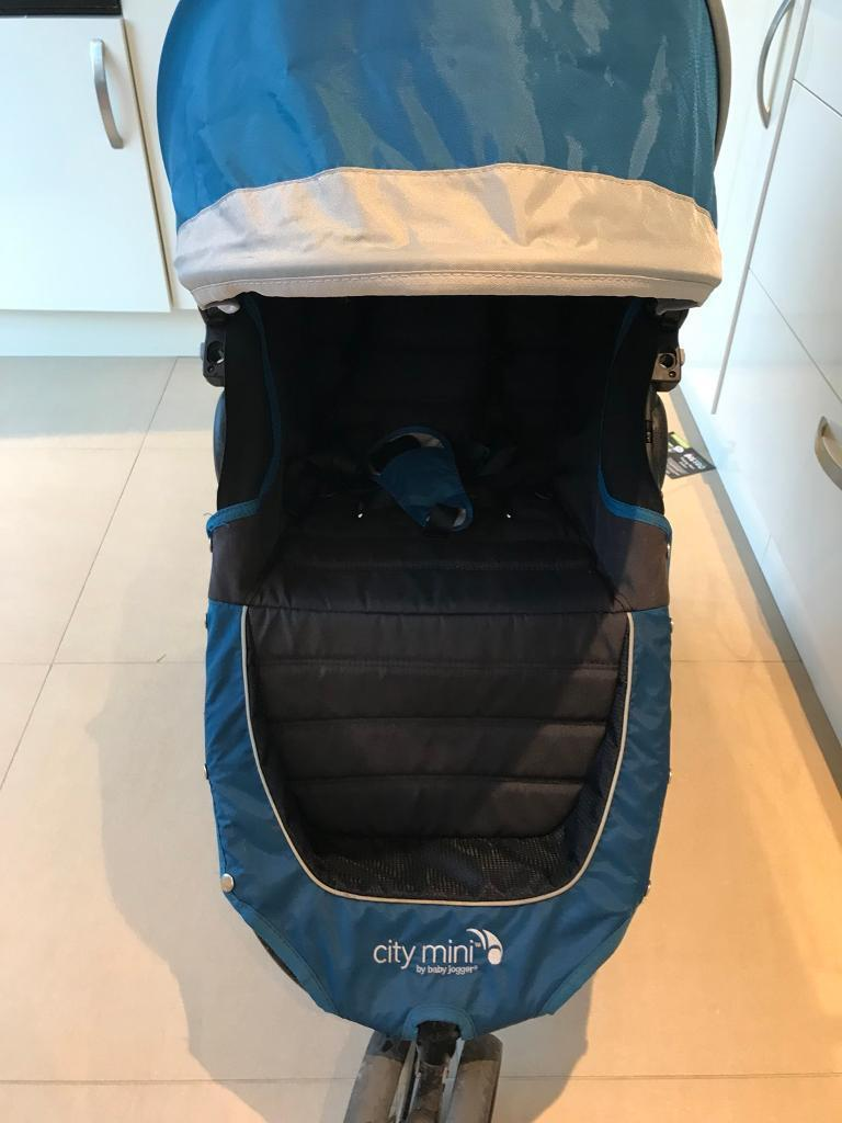 Baby Jogger city mini pushchair / stroller only a few months old