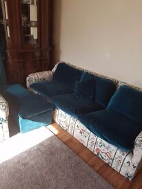 A sofa and 2 armchairs