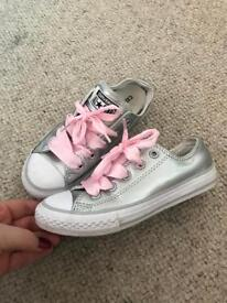 Girls leather converse