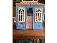Medium dolls house