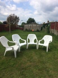 4 garden chairs very good condition Collection from south court aylesbury