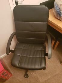 Black computer chair