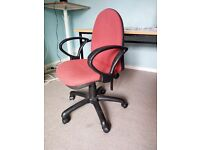 Swivel chair - £ 10