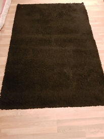 Black carpet good condition - Ikea Hampen 133x195 cm £5 in London E2