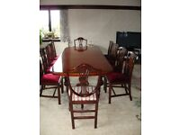 Fine quality solid mahagony extending dining table with 8 chairs & 2 carvers 180X 106 closed 280cms