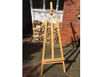 Folding artists easel - excellent condition