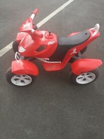 Kids ride on quad bike electric battery 12 v,battery car,used,exccellent condition