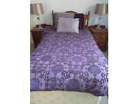 Lovely deep plum damask single duvet cover (Dorma) and single duvet for sale.