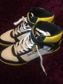High top Trainers size 10